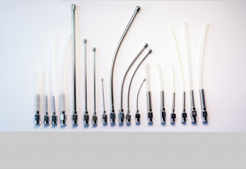 Crop needles and animal feeding tubes